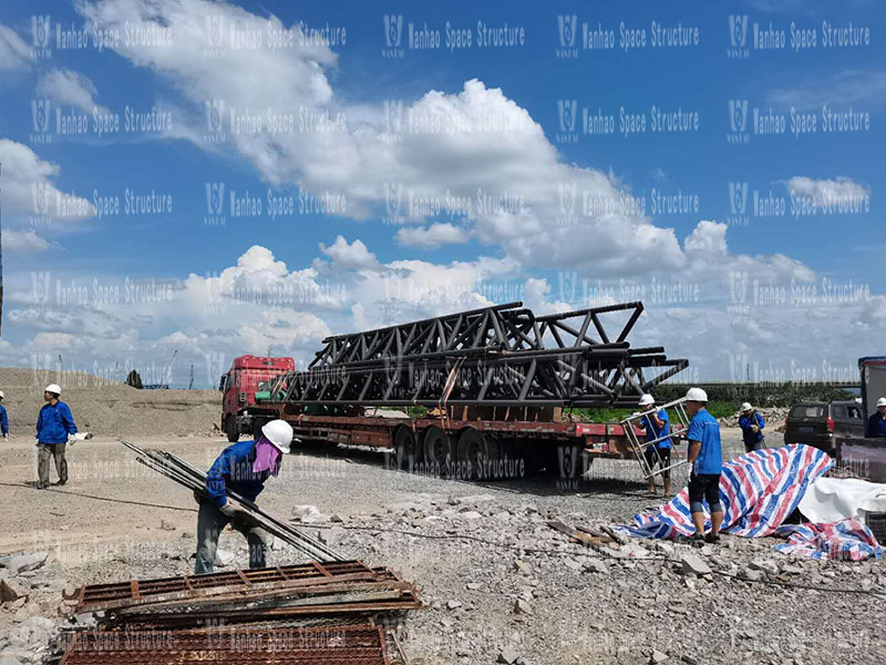 Shaoxing West Expressway toll station ceiling project steel structure installation