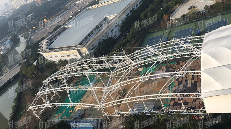 The steel structure of Ningbo Tennis Center Sunshade Project has been completed